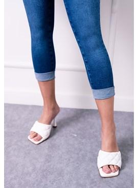 Calça Capri Jeans com Barra Virada