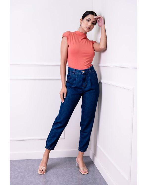 Calça Slouchy em Jeans Azul com Pregas e Bolso