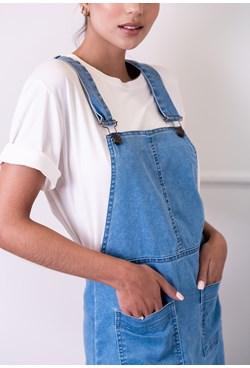 Vestido Salopete em Jeans com Bolsos